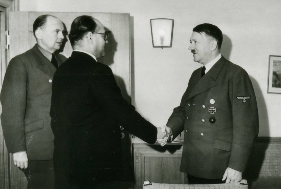 hitler-bose-vs-gandhi-who-is-responsible-for-independence-of-india-3.jpg
