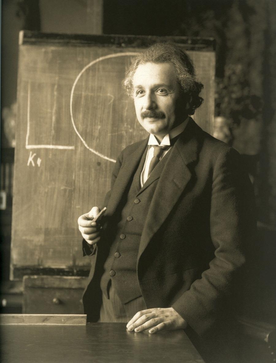 Einstein_1921_by_F_Schmutzer_-_restoration.jpg
