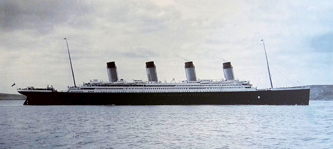 titanic-in-cork-harbour-11-april-1912.jpg