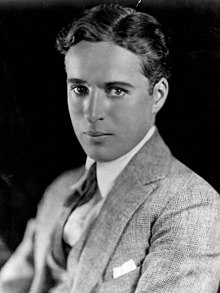 220px-Charlie_Chaplin_portrait.jpg