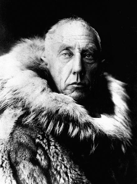 amundsen_in_fur_skins.jpg
