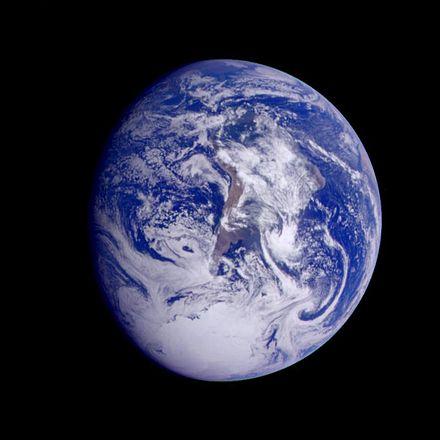 galileo-image-of-earth-taken-in-december-1990